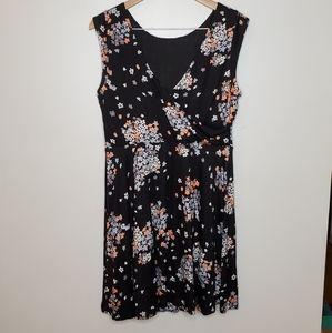 Loft Vneck sleeveless dress